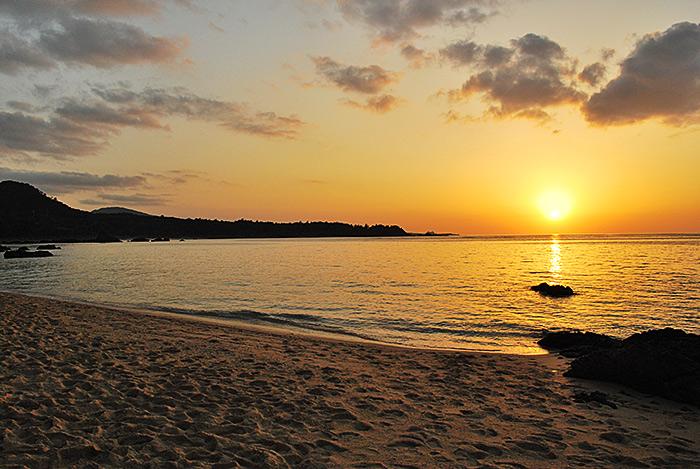 ペンション近くのビーチ 夕日