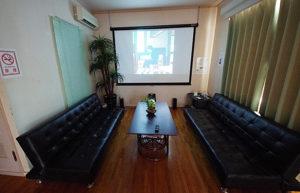 沖縄ペンションスリーピース シアタールーム